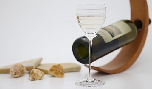 間違えて買っちゃった……通販で買ったワインを返品できる?
